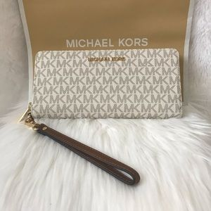 NEW! MICHAEL KORS LARGE WALLET